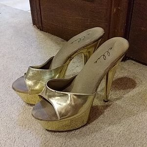 Vintage ELLIE gold stripper. High heels sh…